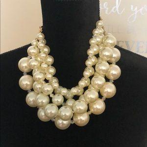 Versatile Pearl Necklace
